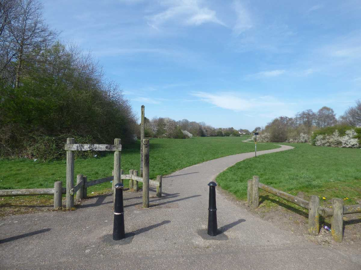 A walk in the Kingfisher Country Park from Hay Mills to Bordesley Green on Easter Sunday 2021